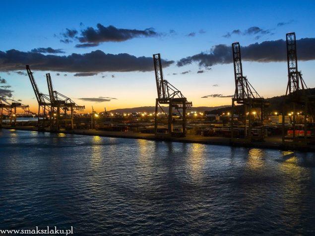 Wybrzeże Barcelony z portu